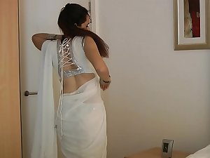 Tamil College Girl Jasmine Mathur In White Tamil Saree