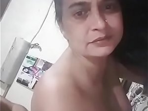 Indian milf porn filmed with her punjabi husband