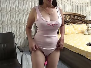 Doodhwali desi babe with big boobs on live cam show solo sex